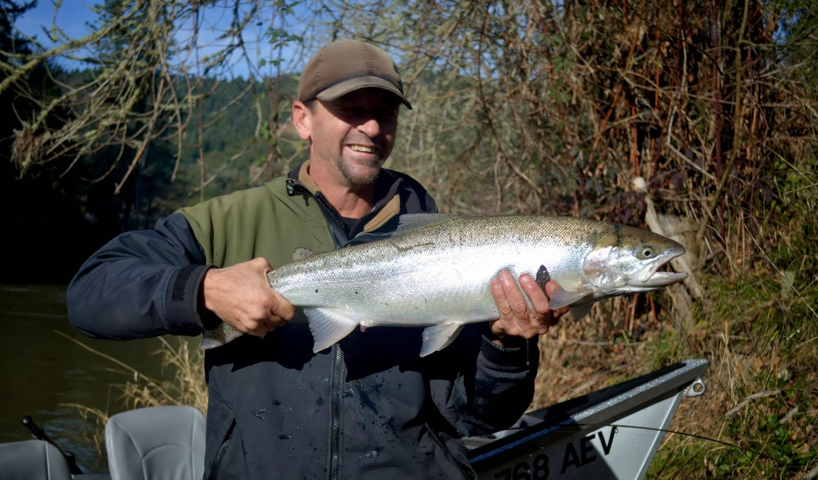 Guided salmon and steelhead fishing on the rogue umpqua for Oregon out of state fishing license