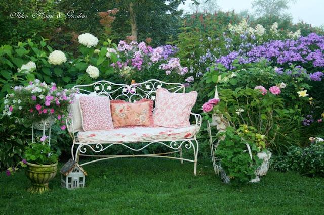 bancos de jardim no rs:Beijos e bom relaxamento para você.