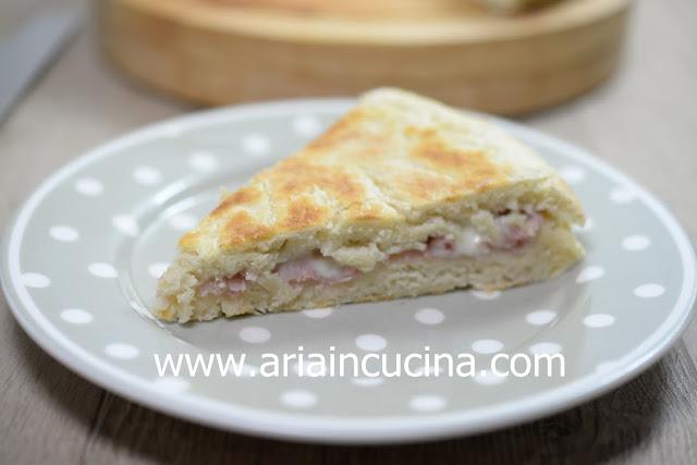 Blog di cucina di Aria: Focaccia in padella a lievitazione istantanea