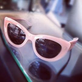 Fab Cynthia Rowley Miss Z pink sunglasses