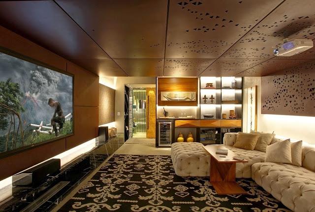 decoracao de interiores home theater:seleção de objetos de decoração garantem a elegância ao ambiente