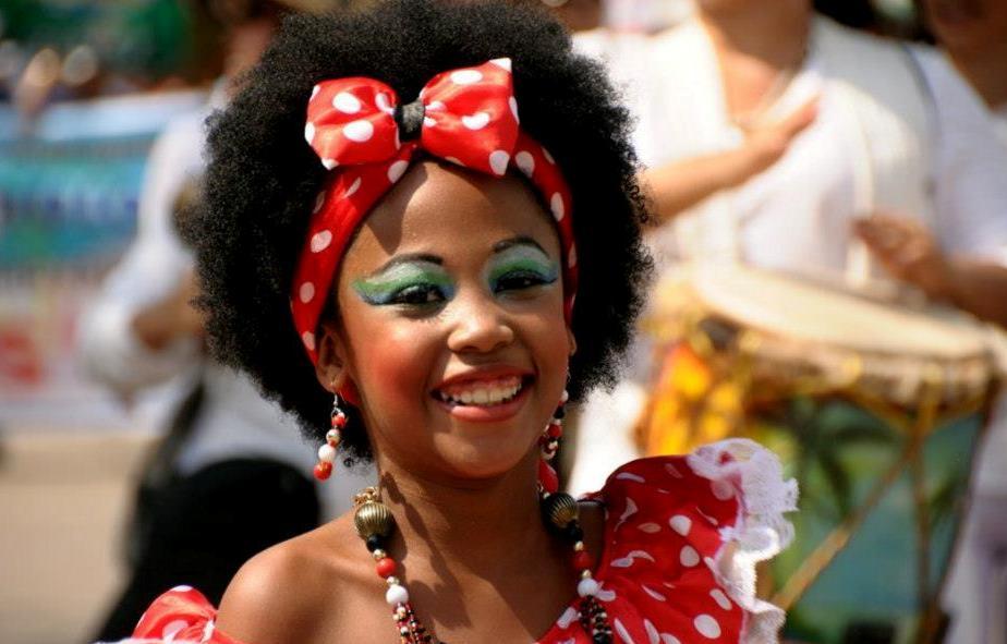 La Reina del Carnaval Daniela Cepeda Tarud, presenta el material ...