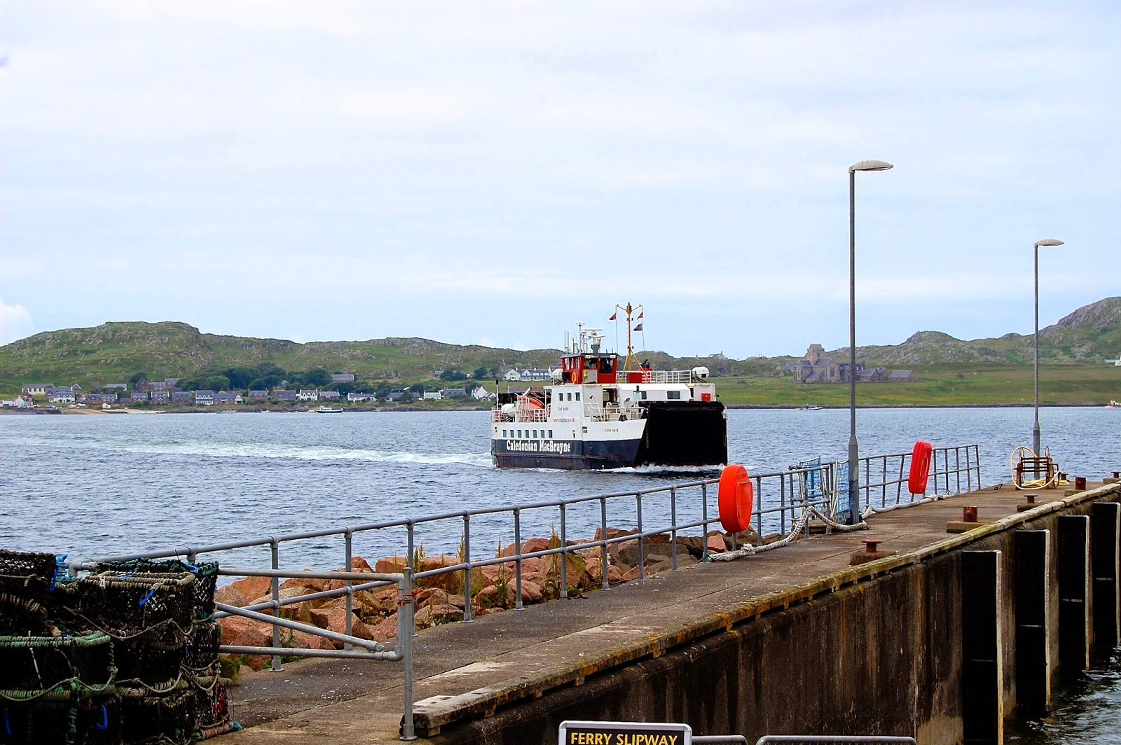 Ferry between Mull and Iona