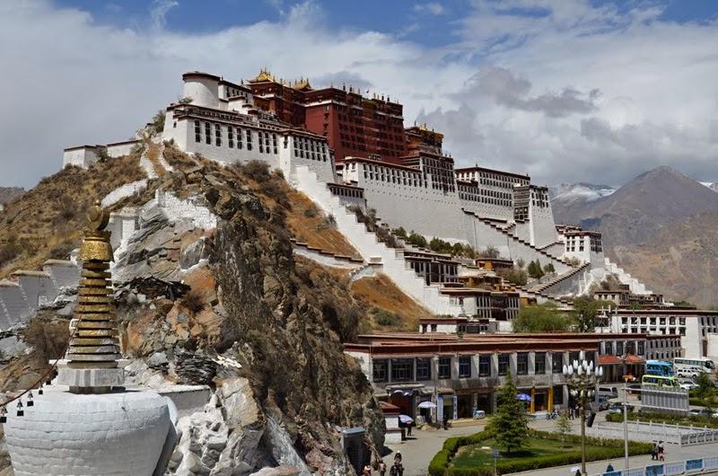 Istana-Potala-di-Tibet