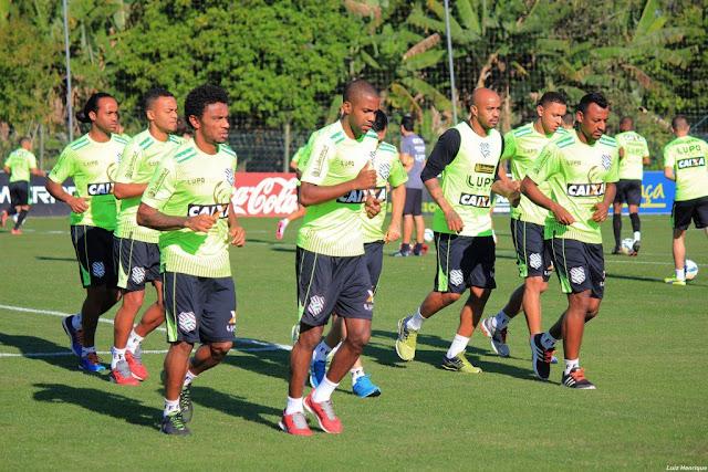 Figueirense quer vitória no clássico para se distanciar da zona de rebaixamento (foto: Luiz Henrique/Figueirense FC)