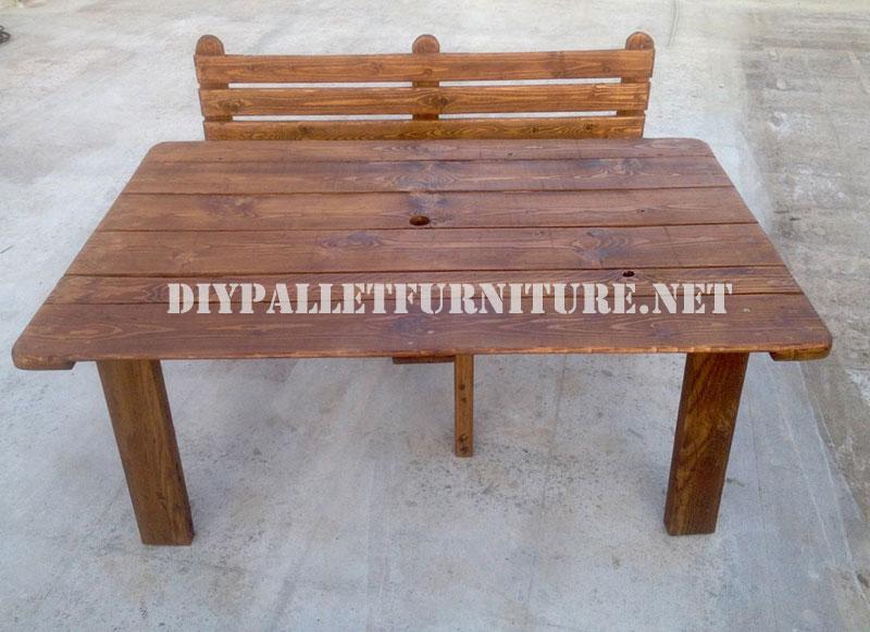 Taburete y mesa con palets para el patio for Mesas para patio