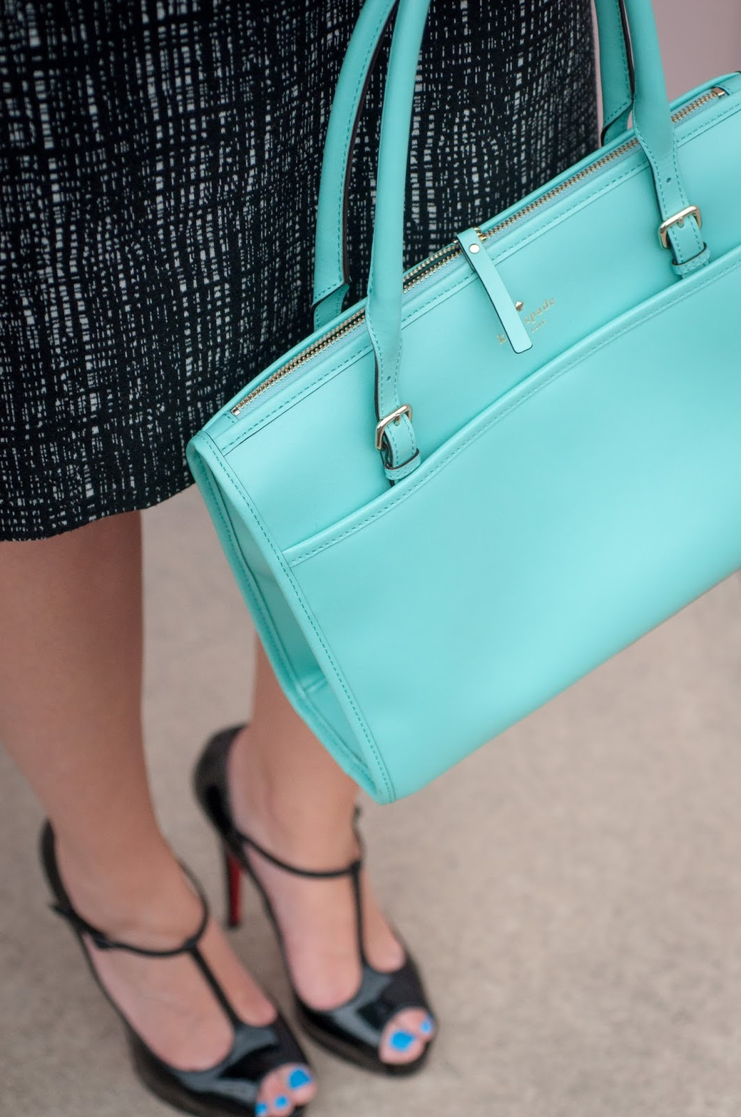 blue toe nails, ootd, kate spade, kate spade new york handbag, christian louboutin, red soles