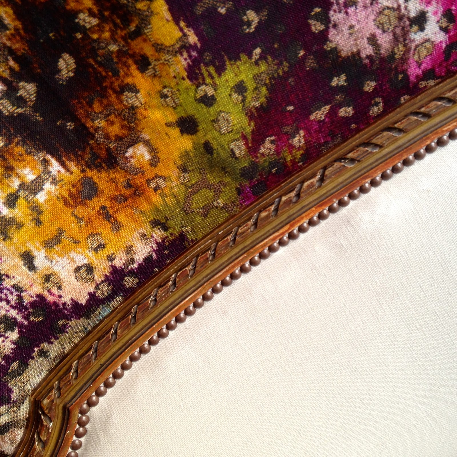 atelier anne lavit artisan tapissier d corateur 69007 lyon ottomane. Black Bedroom Furniture Sets. Home Design Ideas