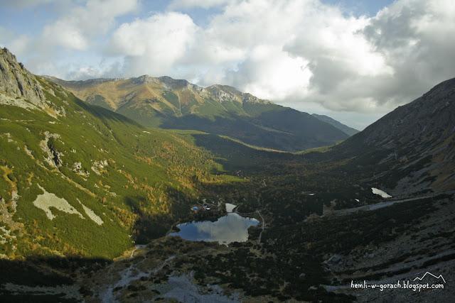 Zielony Staw Kieżmarski widziany spod progu Doliny Dzikiej
