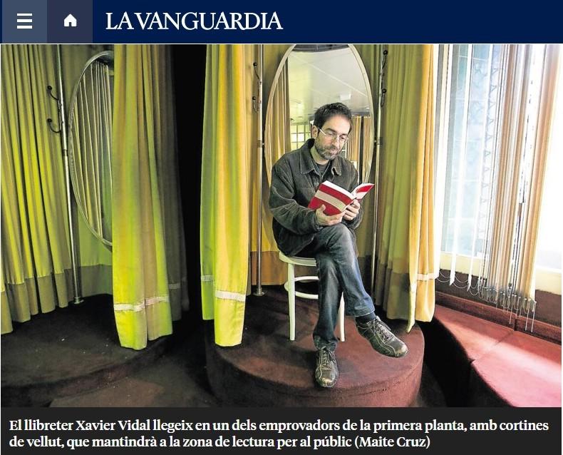 Xavier Vidal a la seu nova de la llibreria Nollegiu del Poblenou