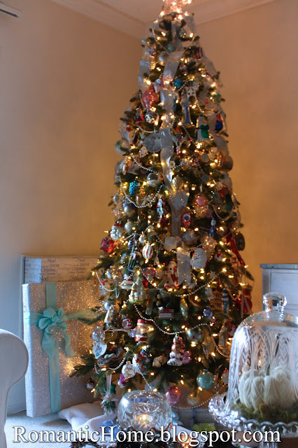 i chose their 7 12 foot kennedy fir slim tree with clear lights it is great that they offer slim trees because thats all i have room for in my small - 7 1 2 Foot Christmas Tree