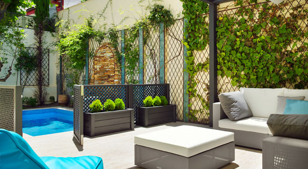 Arte y jardiner a el jard n en macetas for Patio con lavadero