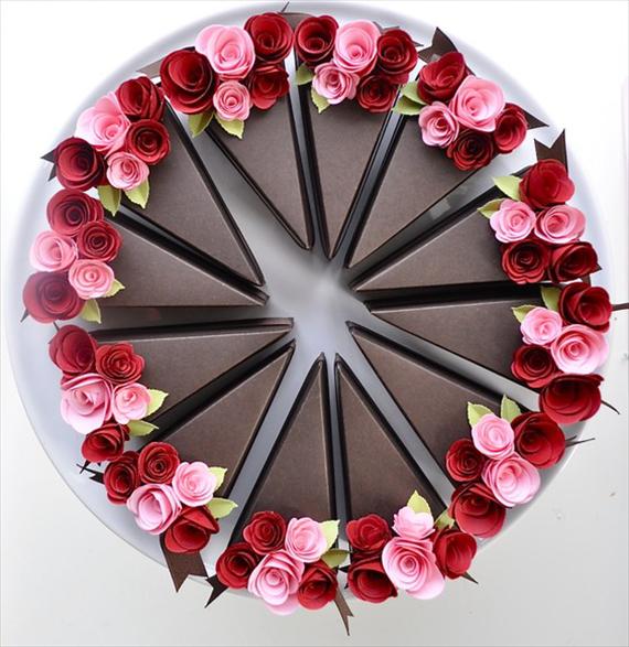 lembrancinha em forma de fatia de bolo