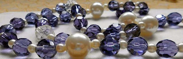 Collar de cristales y perlas