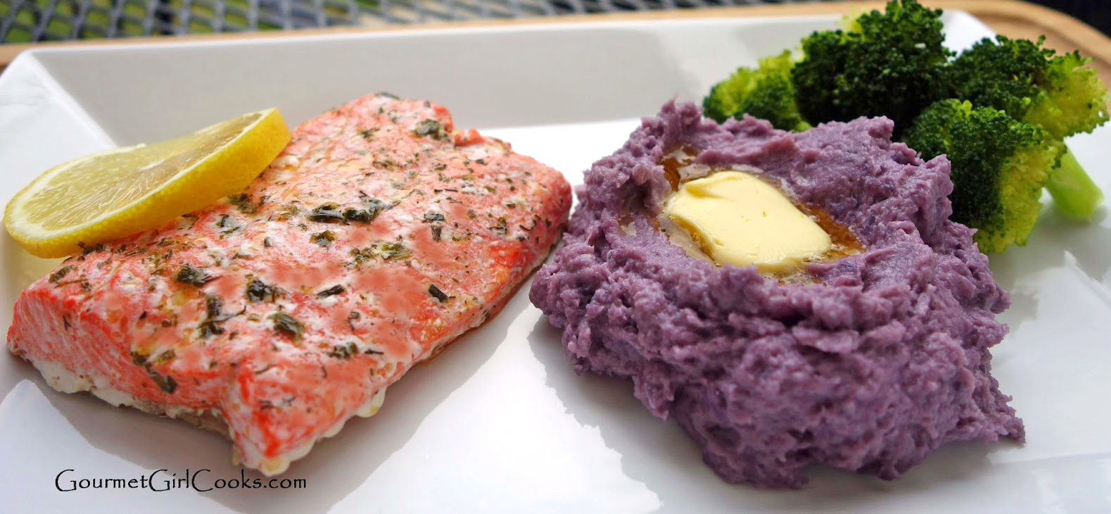 Gourmet Girl Cooks: Roasted Salmon w/ Purple Cauliflower Mash