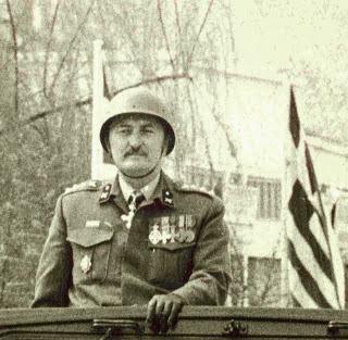 Αυτός είναι ο Στρατηγός Ηλίας Παππάς