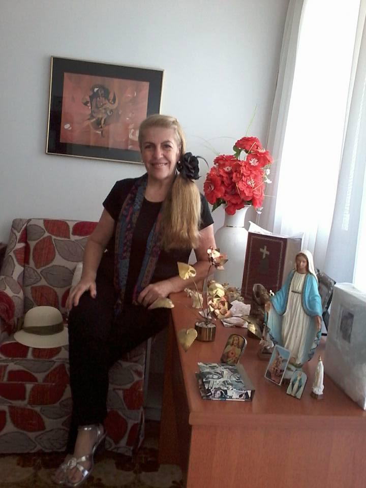 Dolores Señaris Calviño .