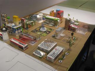Exposición con material reciclado de Recicla Inventa
