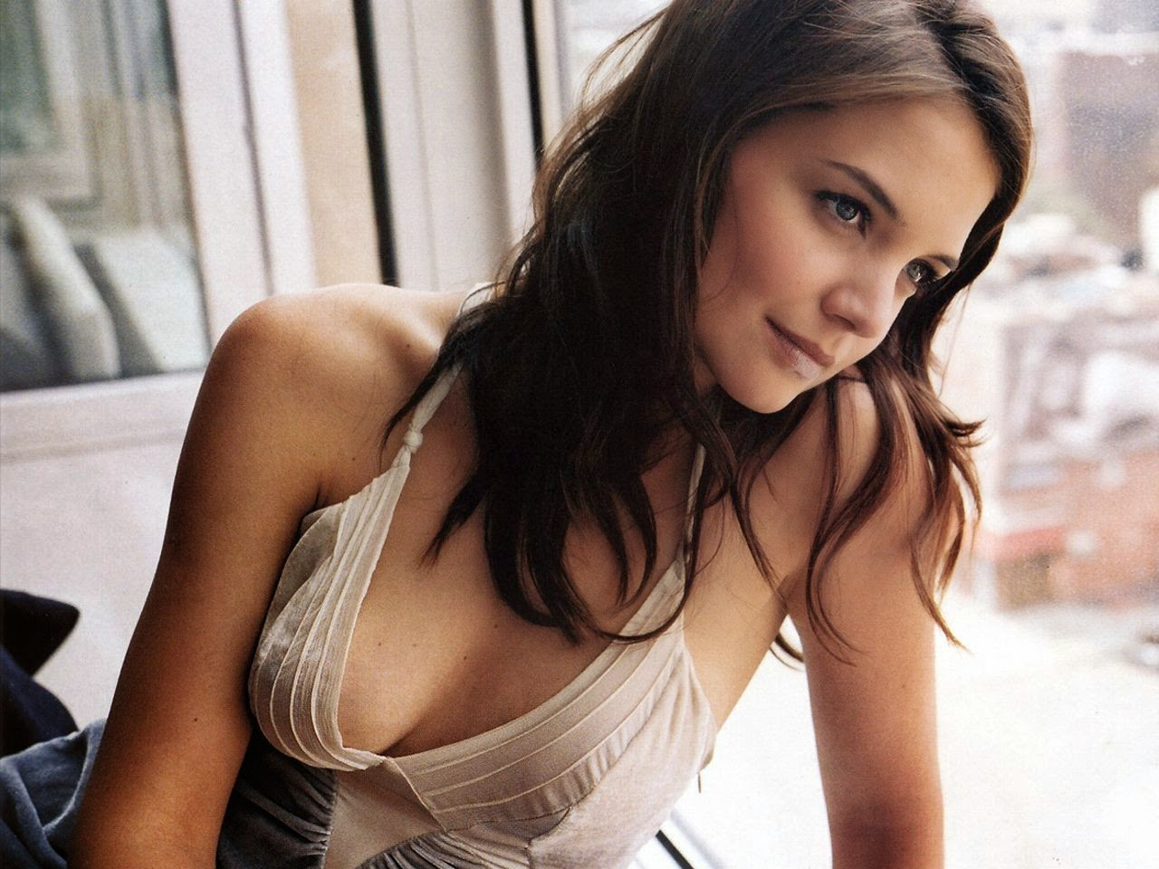 Katie Holmes American Hollywood ActressSexy in White Bikini HD Wallpaper