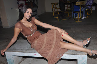 Sanam Latest Picture Gallery at Maayi Movie Location