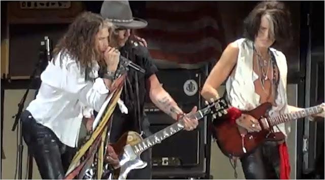 Johnny Depp junto a Aerosmith en Escena
