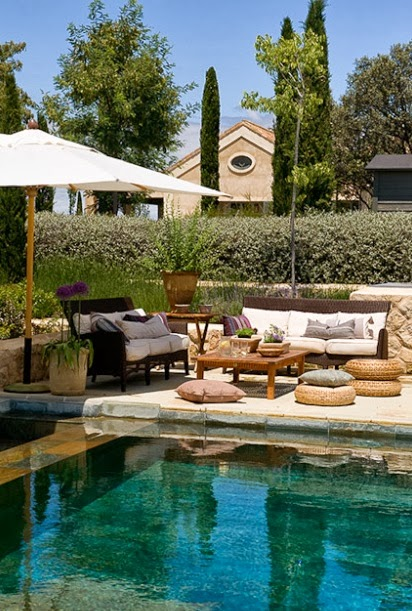 Muebles de piscina dise os arquitect nicos for Suelo piscina carrefour