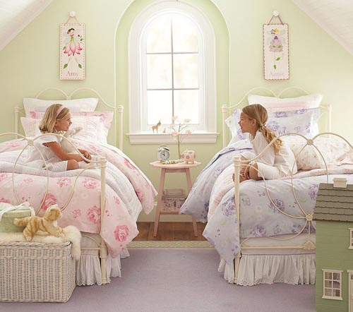 Little girls bedroom little girl room designs for Twin girls bedroom ideas