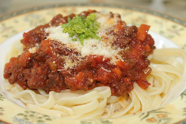 Azie Kitchen: Spaghetti alla Bolognese
