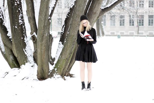black snow white style