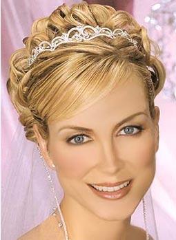 http://1.bp.blogspot.com/-Wz30g0NIc1g/Tl3W59SZUyI/AAAAAAAAAIo/-hvWsfzZnAY/s1600/Casual+Wedding+Hairstyle.jpg