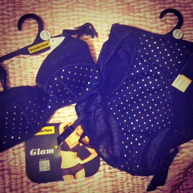 Review: Wonderbra Glamour Dot set