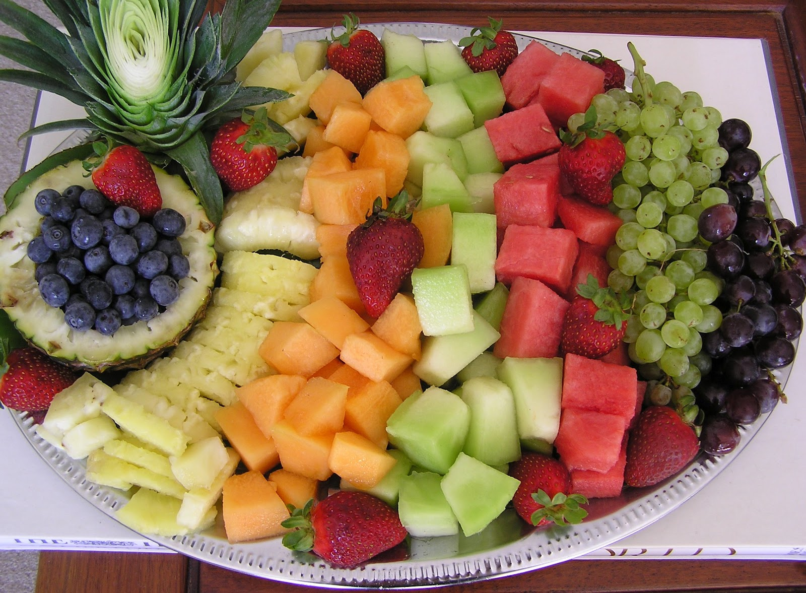 Fruite plate/platter ideas! on Pinterest : Fruit Platters, Fruit Trays and Fruit Tray Designs