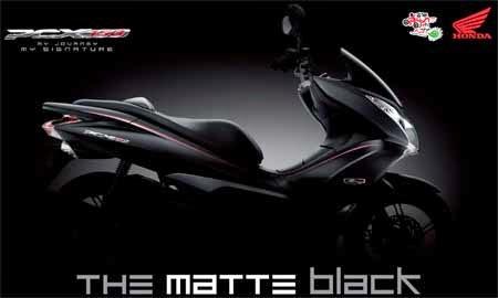 Honda PCX 150 warna monotone Hitam