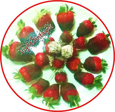 Φράουλες με σοκολάτα με λίγες θερμίδες