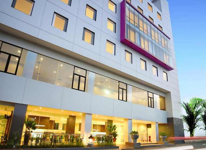 Fave Hotel Beralamat Dijalan Pasir Kaliki Nomor 25 27 Pusat Kota Bandung Jumlah Kamar Yang Tersedia Sebanyak 161 Dengan Berbagai Tipe Bisa