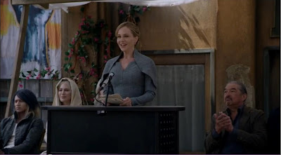 Julie Benz Mayor Amanda Rosewater Defiance pilot recap pictures screencaps