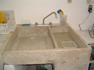 Liana 39 s sazon what is that strange cement sink like thing for Imagenes de lavaderos de ropa