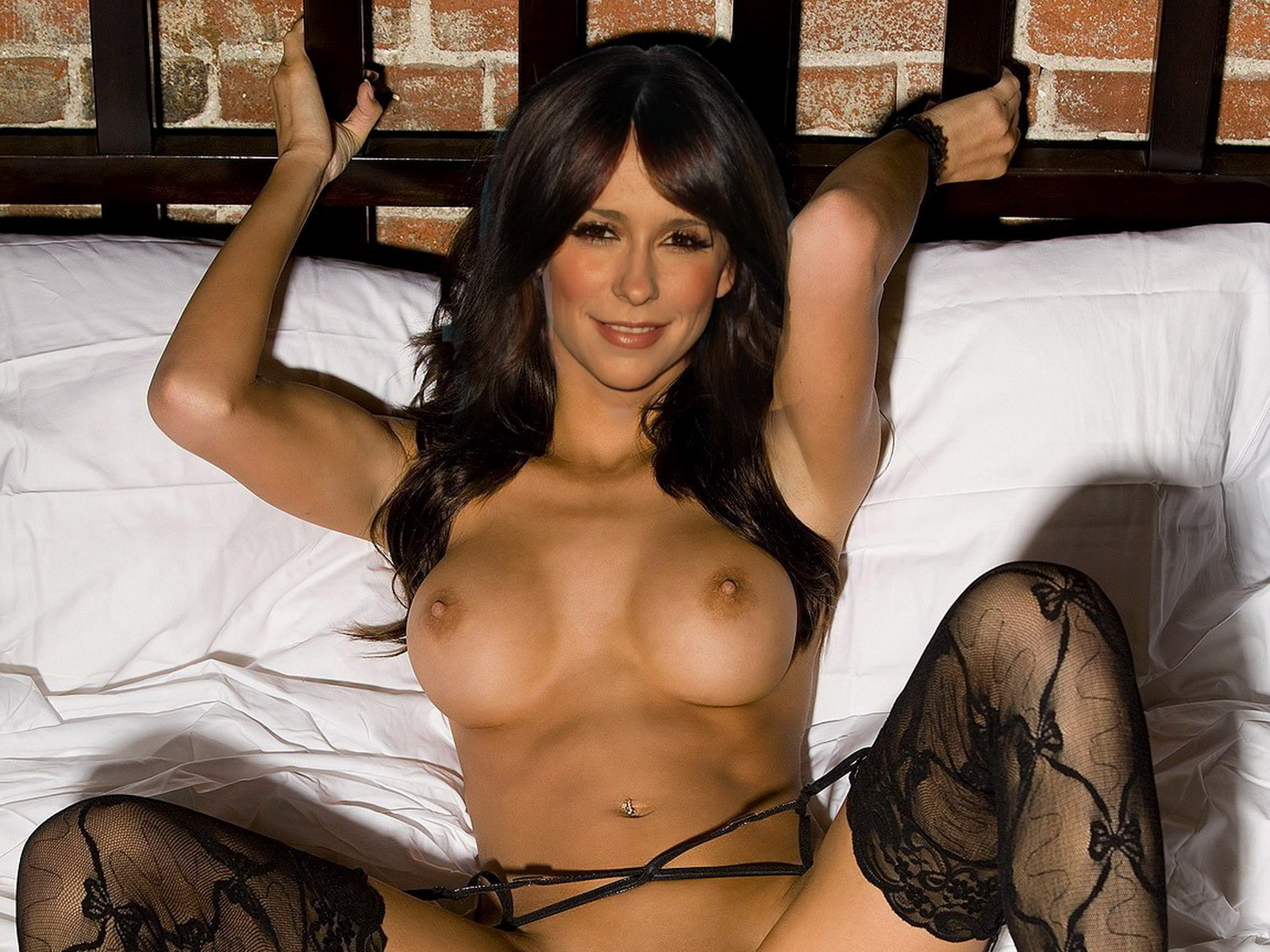 http://1.bp.blogspot.com/-X-c6o5eDjP4/Tx6nxovQWCI/AAAAAAAADp4/o5H2cfzDRic/s1600/Jennifer_Love_Hewitt_nude_on_the_bed_spread_legs_show_big_boobs_and_shaved_pussy.jpg