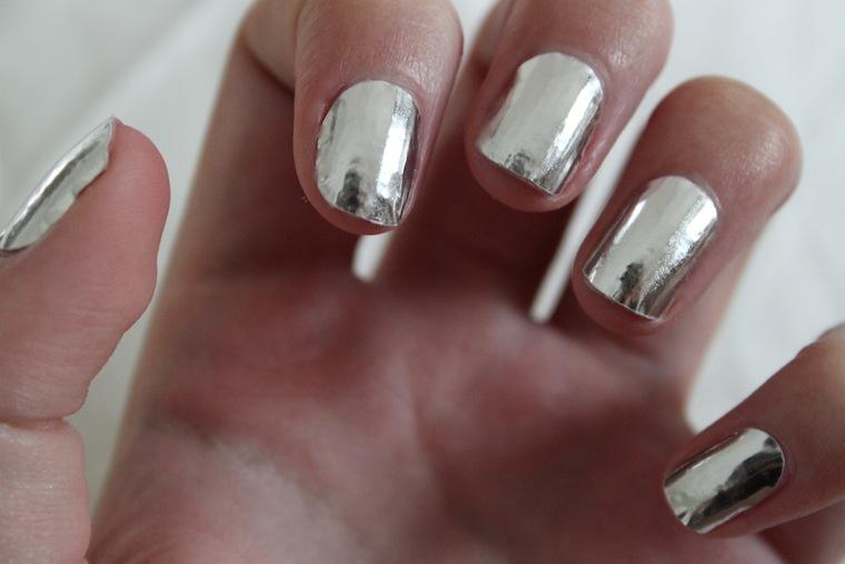 the beauty series | uk beauty blog: nail rock metallic silver wraps