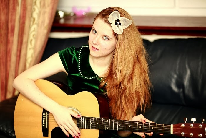 suede dress, pearls, how to play guitar, tutorial