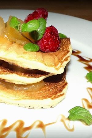http://minimanlife.blogspot.com/2012/11/pancakesy-z-dzemem-dyniowo-jabkowym.html
