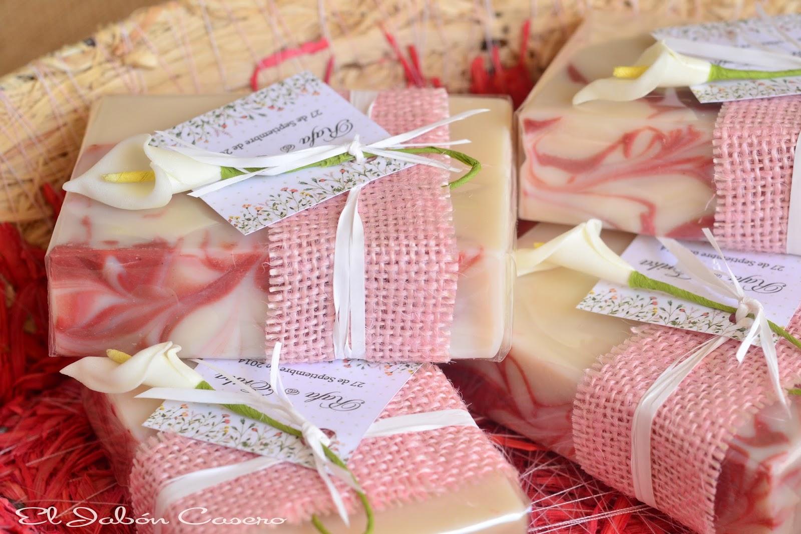 Jabones de fresa personalizados para bodas