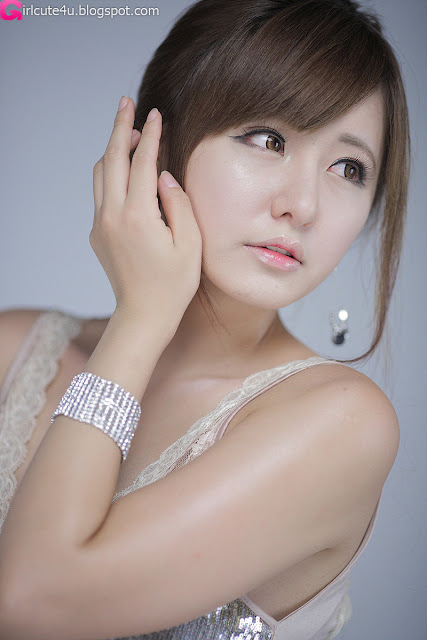 Ryu-Ji-Hye-V-Neck-Sequin-Dress-07-very cute asian girl-girlcute4u.blogspot.com