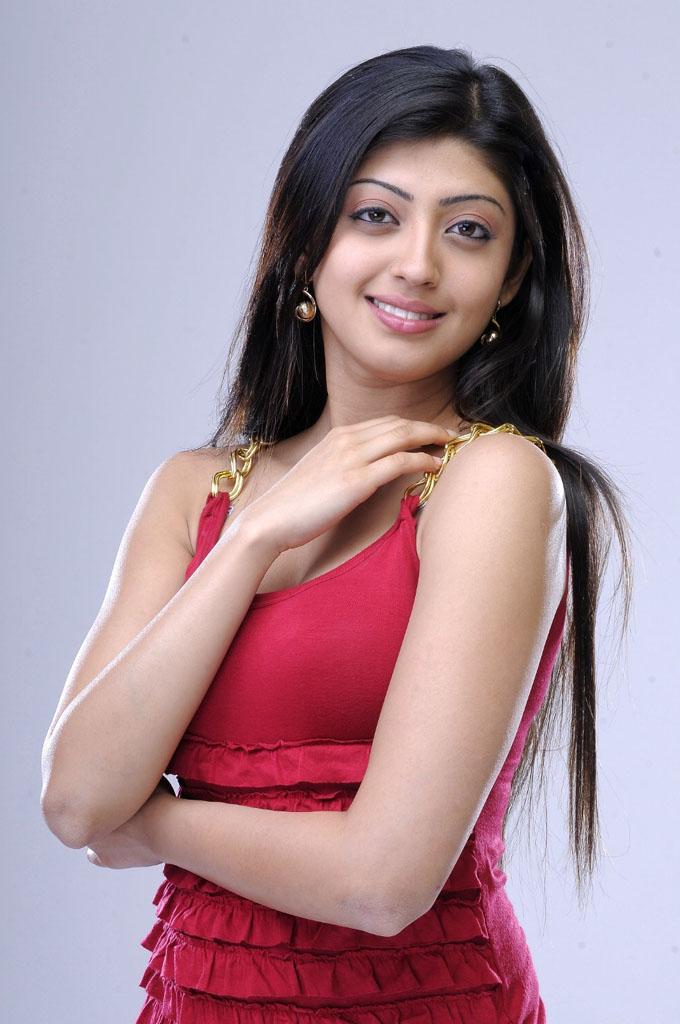 movie hub actress praneetha hot photos