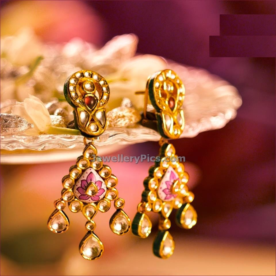 trendy khundan ear rings