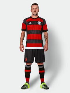 Jersey Flamengo home terbaur musim 2015/2016