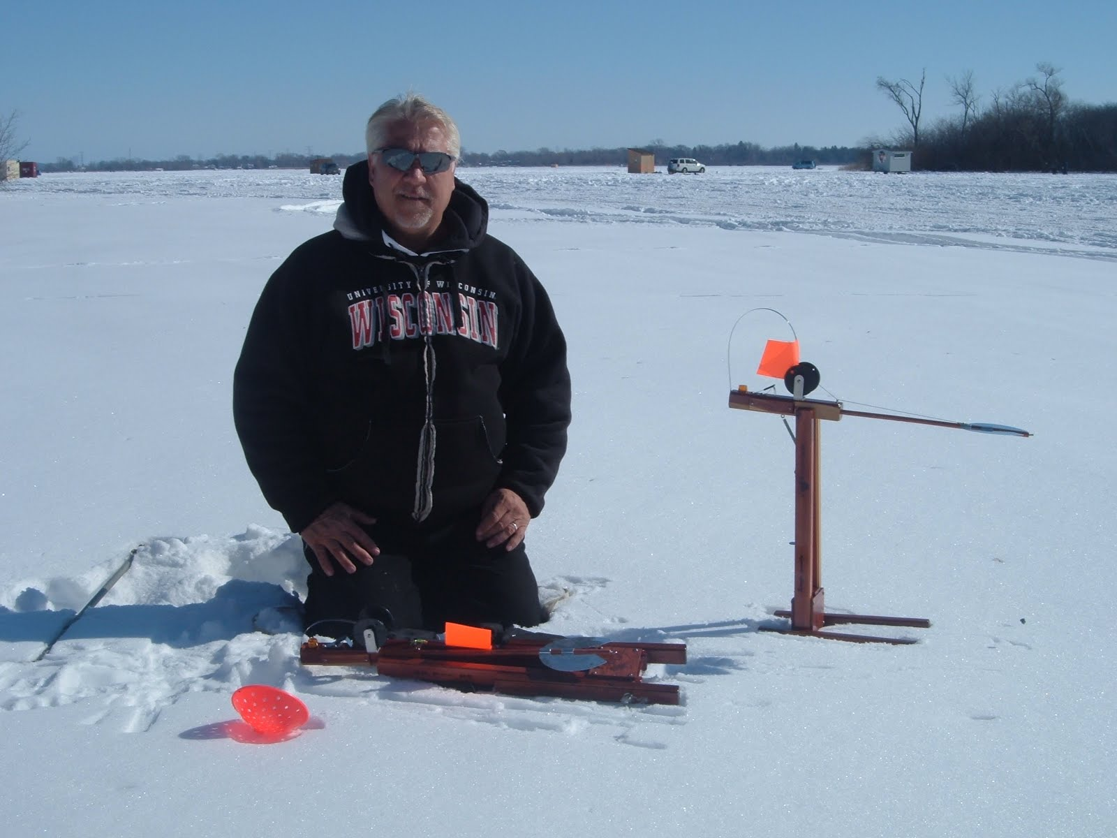 Mr tip up ice fishing tips 2011 for Tip up ice fishing