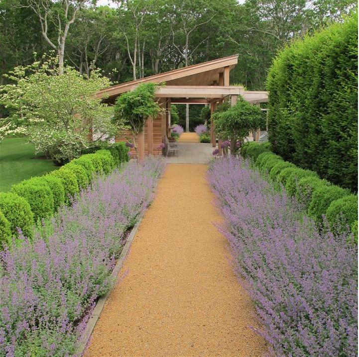 Casa tr s chic o paisagismo de edmund hollander - Terrain de petanque dans son jardin ...