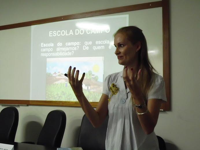 Profa. Andreia Weiss: Educação no Campo