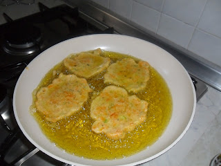 frying courgette fritters